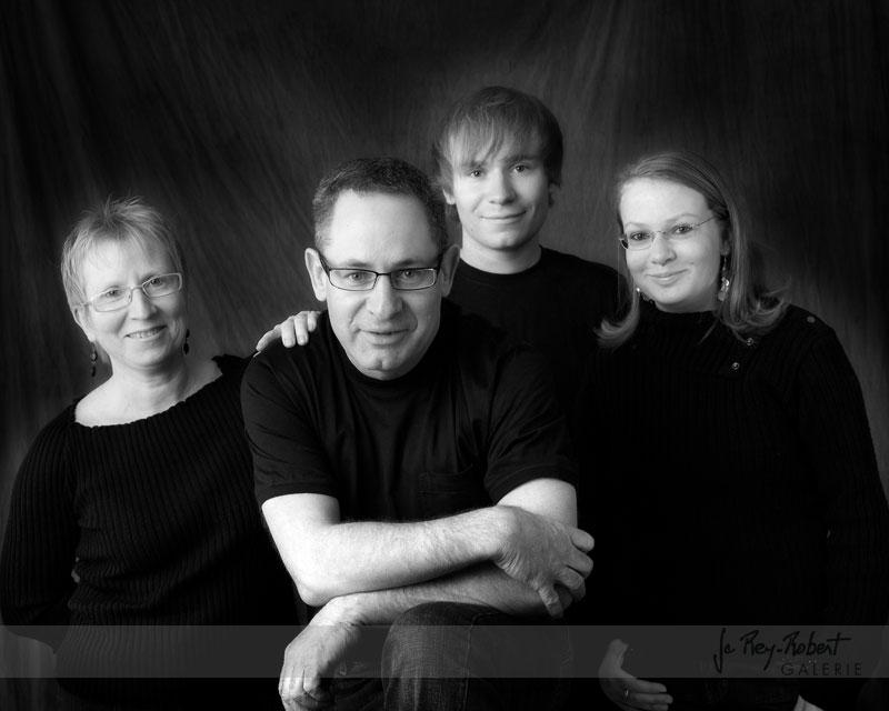 portrait-de-famille-noir-et-blanc-valence