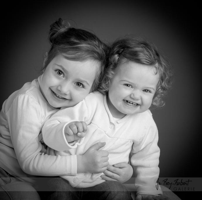 Portraitb d'enfants noir et blanc