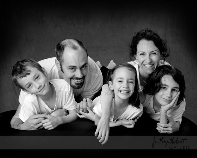 Portrait de famille noir et blanc a romans